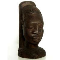 Деревянная скульптура африканской девушки племени бидього. (Гвинея-Бисау)