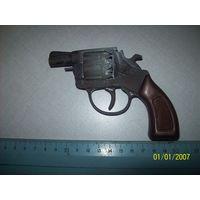 Пистолет игрушечный револьвер Виктория ,металл.