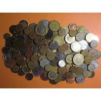 130 шт. всяких монет мира с 1 руб