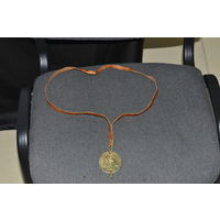 Медаль  участнику абсолютного первенства СССР по  боксу  1985 г в Иваново. золочёная  латунь.