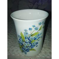 Фарфоровая ваза-стаканчик  9х6,5 см. Клеймо. Германия. 60-е г.г.