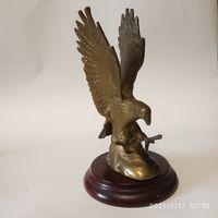 Статуэтка старинная орёл . Бронза .