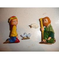 Киндер из  серии Рождество 2001 г (всего в серии две фигурки,как на фото,в продаже одна,та,что справа,цена указана за одну)