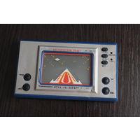 """Игра на экране """"Космический полёт"""", времён СССР, работоспособность неизвестна."""