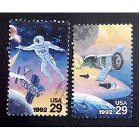 США 1992 г. Космос. Совместный полет с Россией. 2 марки #0118-К1