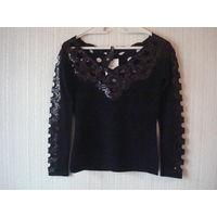 Новая фирменная кофта свитер французского бренда Leo Guy Франция 44-46 (S/М)размера черного цвета.Отличный состав: 50% шелка, 30% шерсти, 18% акрила и 2% эластана.Отличный трикотаж!