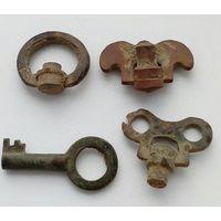 Старинные ключики для заводки часов.