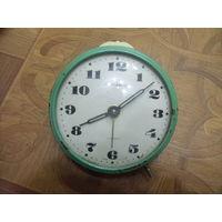 Часы, будильник. Янтарь.