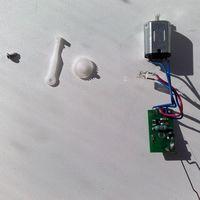 Электромоторчик со светодиодом и шестеренками