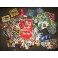 С 1 рубля!Сборный лот значки разные около 600 шт.