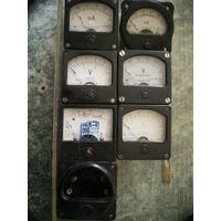 Микроамперметры, вольтметры и др. 5,8 х 5,8 см.