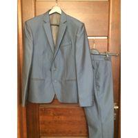 Красивый мужской костюм на 44-46 размер рост 176 см. Цвет синий.