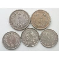 5 китайских монет.