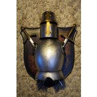 Панно с доспехами рыцаря. 35х41 см Отличный подарок