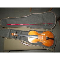 Скрипка в футляре со смычком.ММП РСФСР Москва 1958 г.