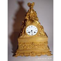 Старинные каминные часы. Франция 1830-1870 г . Бронза Позолота.