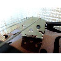 Подставка для струн скрипки 4/4. Материал наш сухой клён выдержка 5 лет. Не Китай. Устанавливал звучит отлично. Почта по РБ 1,60.
