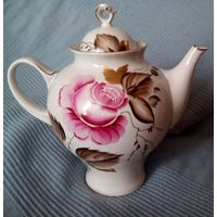 Большой чайник с розой, с позолотой. ЛФЗ