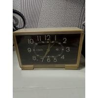 Часы ,,Слава,, элекромеханические,рабочие.