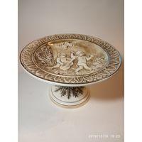 Редкая старинная фарфоровая ваза. Купидоны. CAPODIMONTE .Италия .