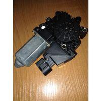 Мотор-редуктор стеклоподъёмника ауди audi A3 8L