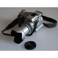 Minolta Dimage 7 - полупрофессиональная камера.