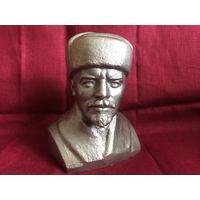 Статуэтка (скульптура) бюст Ленин в шапке силумин