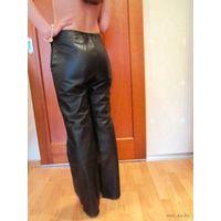 Кожаные брюки для хорошенькой девушки. Недорого р.42-44
