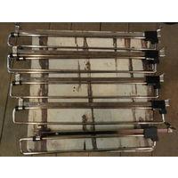 Мебельная фурнитура - Наполнения для шкафов - Гардероб - Вешалка выдвижная Цвет: Хром Длина (L, мм): 300 и 350 Описание: Материал: алюминий, сталь, пластик. Цвет: алюминий+черный. В наличии 6 шт. Пере