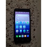 Смартфон Alcatel pixi 3 duos 5019d, есть трещина на тачскрине, на работу не влияет. 2 симки, батарея держит хорошо. В комплекте телефон, зарядка, чехол-книжка.