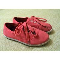 Спортивные ботинки Slazenger 29 размера (для девочки). Заказаны из Англии. Английский размер С11. По стельке 18 см. Состояние 8/10
