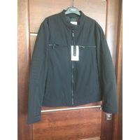 Фирменная куртка Zara на 46-48 (L) размер. Осень – весна, новая. Стильная и современная модель куртки, качественный пошив и хорошая ткань. Цвет угольно черный. Приобретена за границей