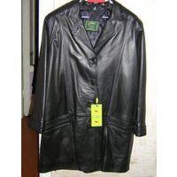 Стильная куртка из натуральной кожи на 52-54 р., женская, красивая классическая модель прекрасно украсит фигурку 52-54 размера. Красивый цвет, отличная выделка кожи. Обмен не интересует.