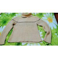 Тёплые зимние свитера р.44-46