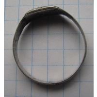 Перстенёк инициальный, серебряный.