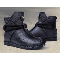 Женские зимние ботинки на плоской подошве модель 2020