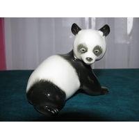 Статуэтка фарфоровая Панда