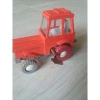 Трактор игрушка механический заводной из СССР