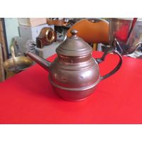 Медный чайник 8,5*11 см.