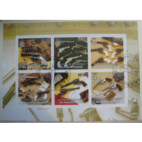 Марки Мавритания 2002 г. Револьверы. Цена за блок (g)