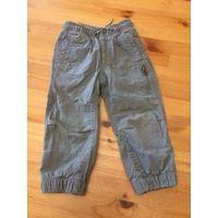 Теплые штаны на баечке на рост 98 см. Длина 52 см, длина шагового 33 см, ПОталии тянется 22-35 см. Штаны в хорошем состоянии, единственное - нудно поправить строчку сбоку  на талии. На фото видно.
