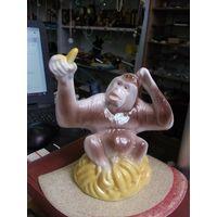 Обезьяна с бананом, Коростень, 16 см.