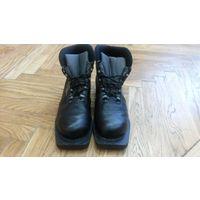 Ботинки лыжные кожаные