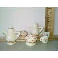 Кукольная посуда (кукольная миниатюра 1:12) (два набора по 1 рублю, всё за 1,5)