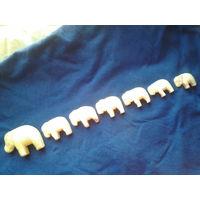 Слоны. Мрамор.