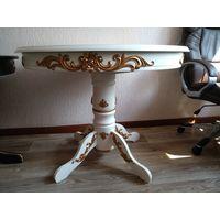 Стол в классическом стиле