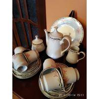 Новый чайный фарфоровый сервиз на шесть персон Китай.