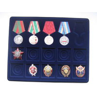 Планшет на 5 медалей D32 и 10 винтовых знаков.