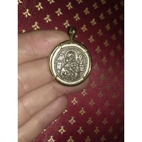Шикарный медальон в оправе
