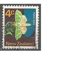 Новая Зеландия. Бабочка Тонкопряд хмелевой. 1970г. Mi#522.